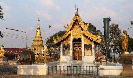 วัดบ้านขว้าง ลำพูน Wat Ban Khwang