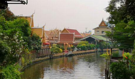 วัดใหม่ยายนุ้ย แขวงตลาดพลู เขตธนบุรี กรุงเทพมหานคร